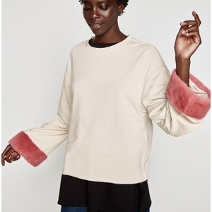 NWT Sweatshirt With Pink fur Sleeve appliqués